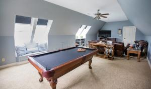 Room-Makeover-with-Skylights